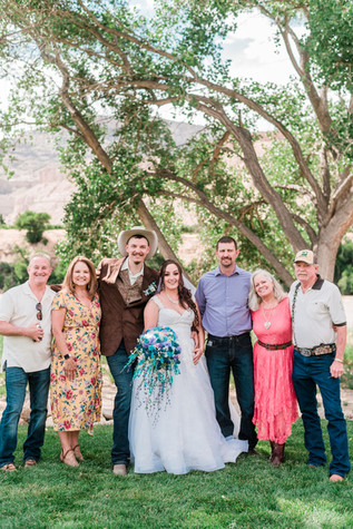 summer-orchard-river-view-wedding_0716.j