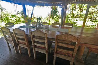 Al Fresco dining makes gatherings fun