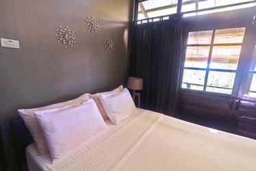 Sea Room has one queen bed