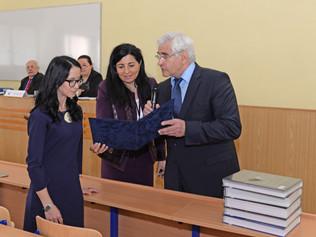 """Ocenenie najlepšej študentky Bc.Dagmar Volochovej na Medzinárodnej vedeckej konferencii """"Podnikanie"""