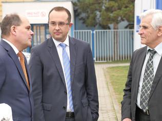 Štátny tajomník Ministerstva hospodárstva SR Rastislav Chovanec navštívil závod I.D.C. Holding, a.s.