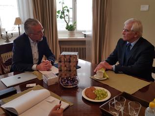 Profesor Štefan Kassay a profesor Pekka Aula na pôde Fínskej akadémie vied