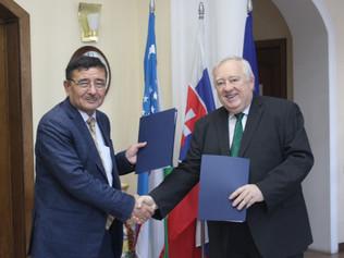 Memorandum o výskumnej spolupráci medzi Štátnym geologickým múzeom v Uzbekistane a UPJŠ v Košiciach