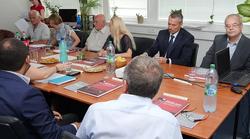 Štefan Kassay v priestoroch Vysokej školy manažmentu v Bratislave
