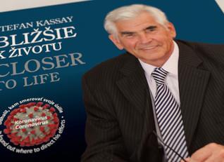 Autobiografická výpoveď o kontinuite života, o kariére a medziľudských vzťahoch profesora Kassaya