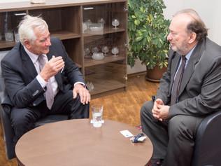 Profesora Štefana Kassaya prijal chargé   d´affaires Maďarského veľvyslanectva na Slovensku