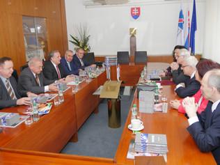 Najvyššie vyznamenanie Slovenskej obchodnej a priemyselnej komory patrí profesorovi Štefanovi Kassay