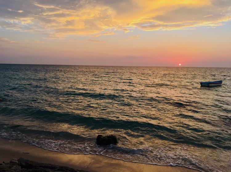 Coucher de soleil à playa tranquila