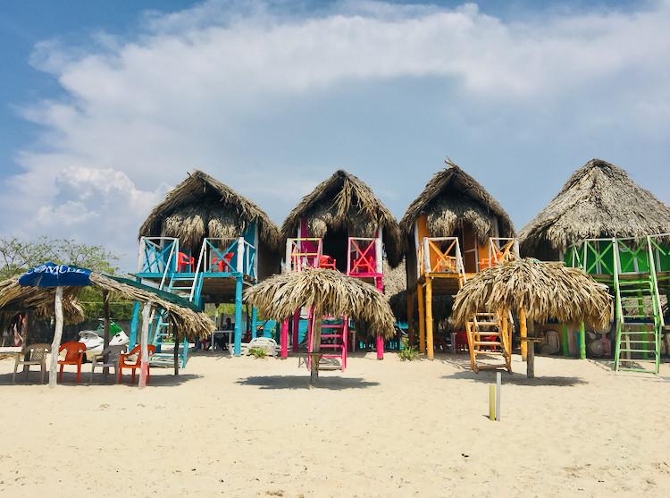 Des logements à Isla Baru