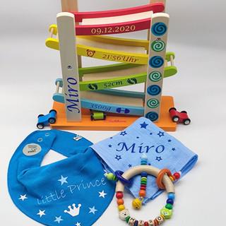Geschenke Miro.jpg