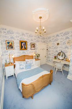 James' Place @ Brynawel Blue Room