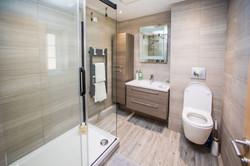 Bathroom Upstairsv1