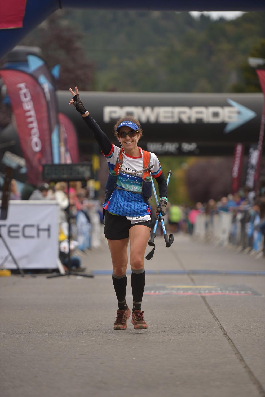 Isabel Valenzuela a su llegada en los 70K de Patagonia Run