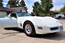 chevrolet-corvette-c3-1980-white