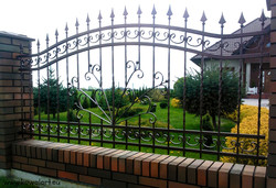 Ogrodzenie Maj w ogrodzie