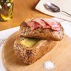 Часниковий крем-суп в хлібі