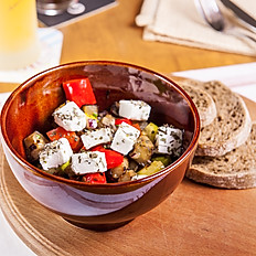 "Салат з запеченими овочами і сиром ""Фета"""
