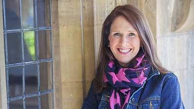 Jenny-portrait---star-scarf-003.jpg