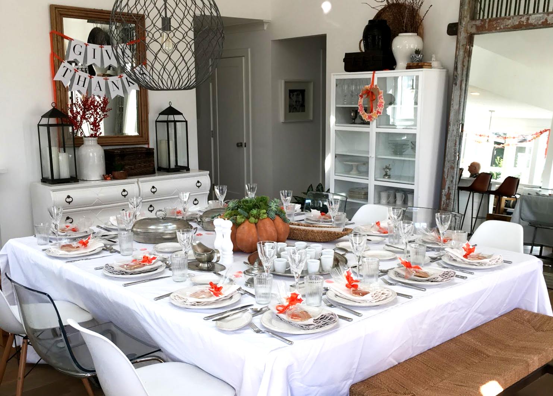 Modern Clean Thanksgiving