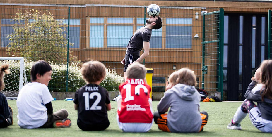 Soccer Shooters Football Fundays session with top freestyler