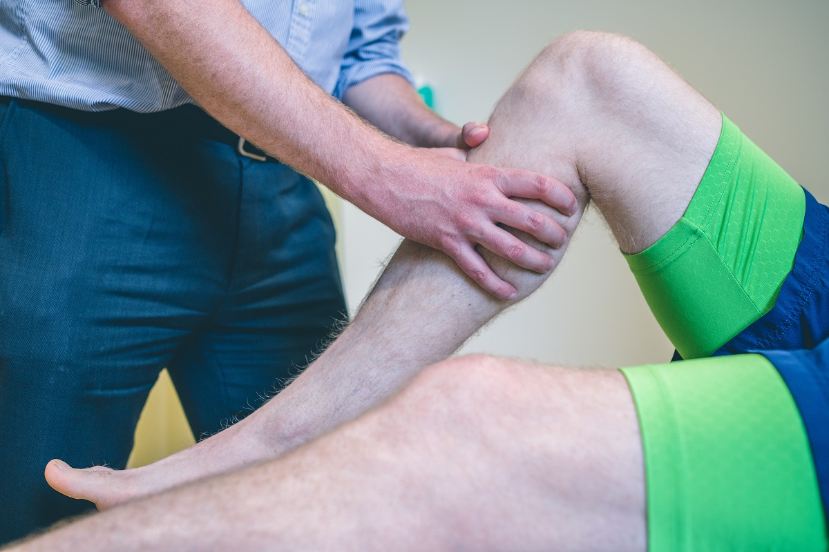 Knee Surgeon Cheltenham Gloucester