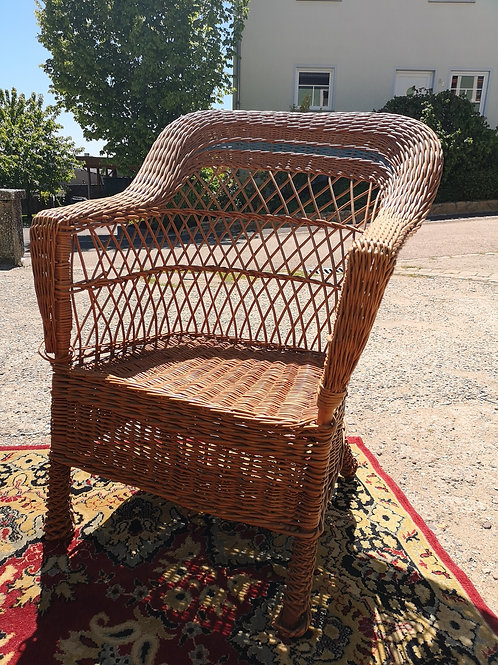 Grande chaise en osier