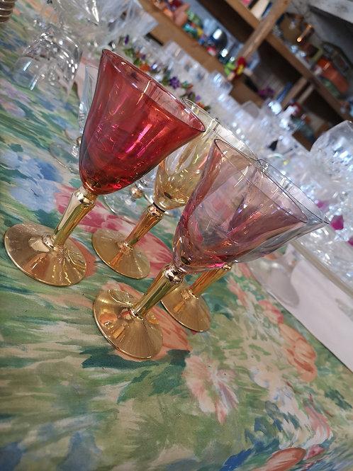 Ensemble de verres de couleur