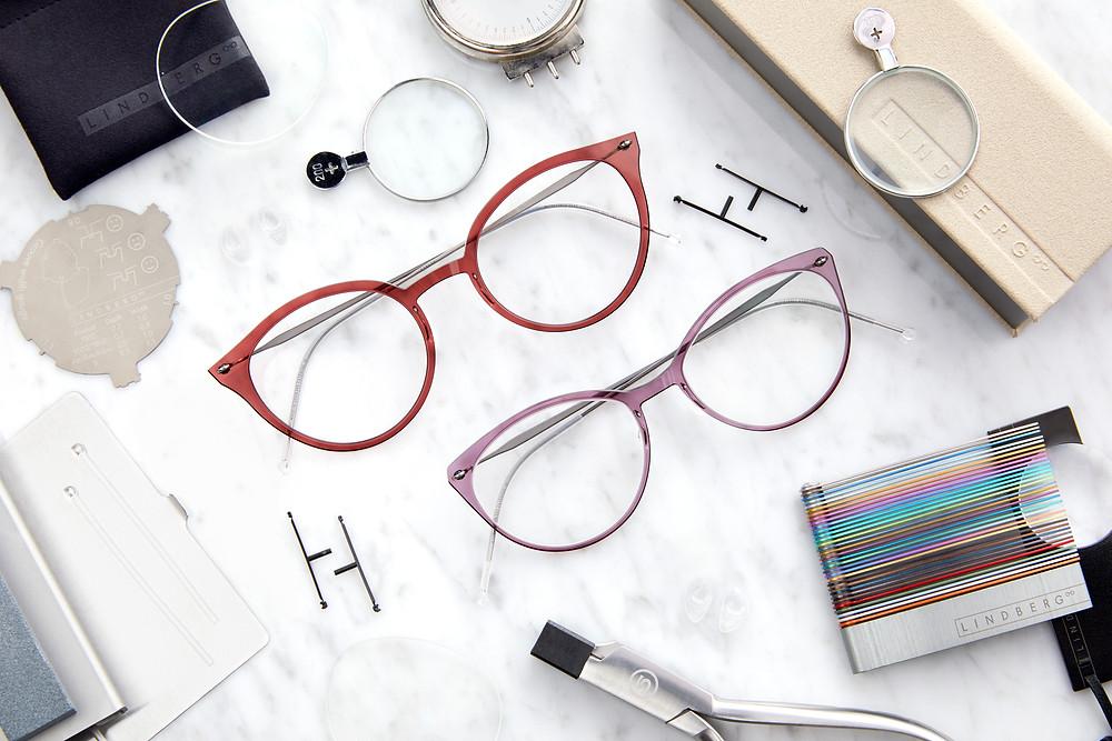 กรอบแว่นคอมโพสิต ป้องกันการระคายเคือง บางเพียง 2 มิลลิเมตร บานพับไร้น็อต เบา ไม่หนักจมูก