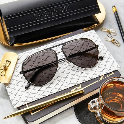 แว่นกันแดด Dior : Essential A2U