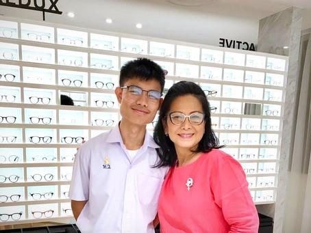 Occura รีวิว ตัดแว่นสายตาเลนส์ Zeiss Progressive Superb กรอบแว่น Miu Miu