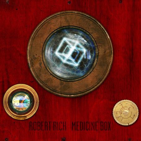 ROBERT RICH: Medecine Box (2011)