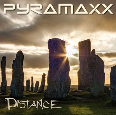 PYRAMAXX: Distance (2015) (FR)
