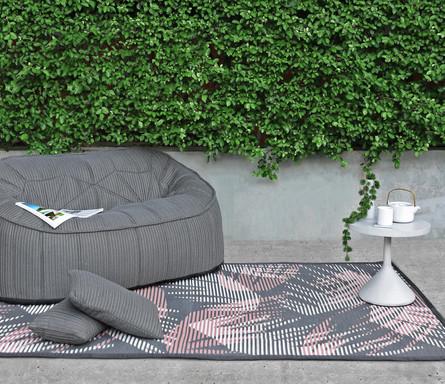 Hideaway outdoor rug