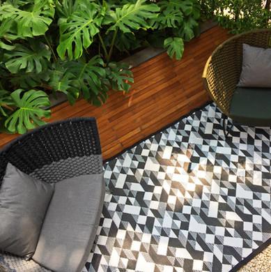 Diamond rug outdoor
