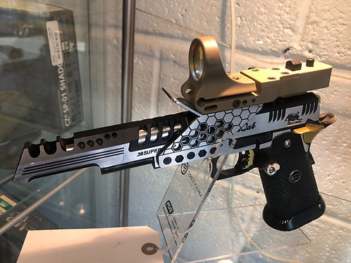 Custom race pistol