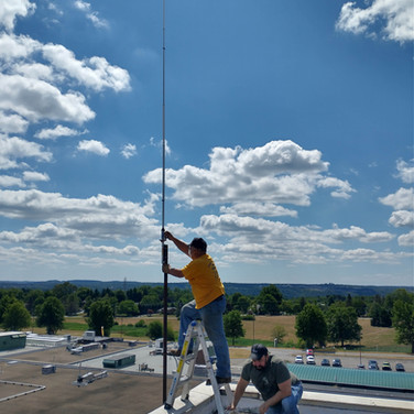 AA3WV Installing the new antenna and making K3UKE nervous.