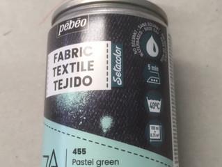 Nouvelle gamme de peinture textile de chez Pébéo: 7A spray.