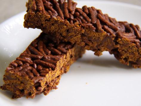 חטיף אנרגיה שוקולד וחמאת בוטנים (בריא, 5 דקות הכנה)