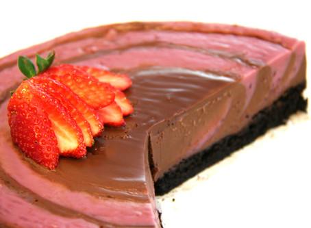 עוגת קרם פירות יער ושוקולד