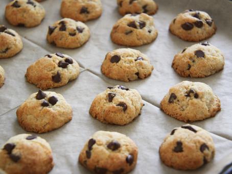 עוגיות קוקוס ושוקולד צ'יפס