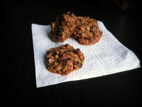עוגיות בריאות עם פיסטוק ותמרים