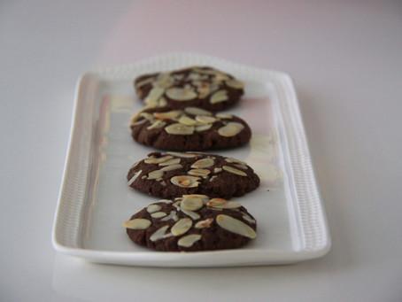 עוגיות שוקולד ושקדים