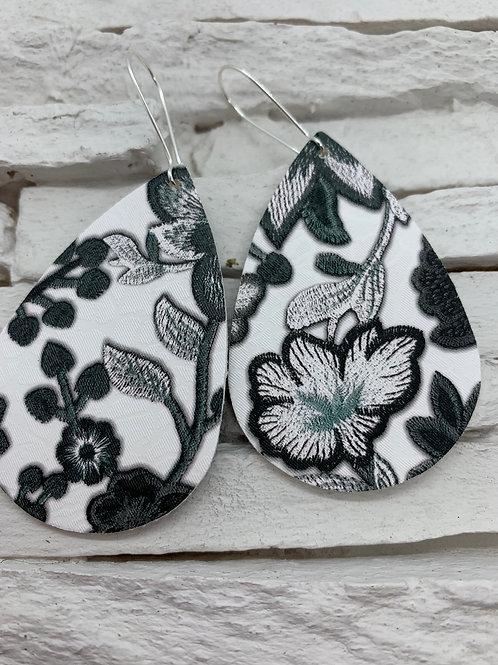 PU Leather Pendant Drop, Black/Green Flower