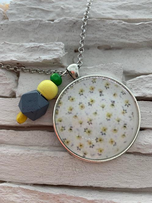 Daisy Pendant Necklace