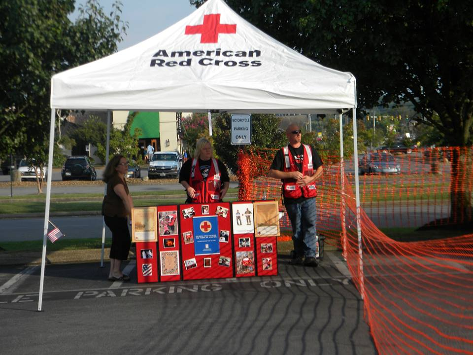Applebee's Supporting Red Cross