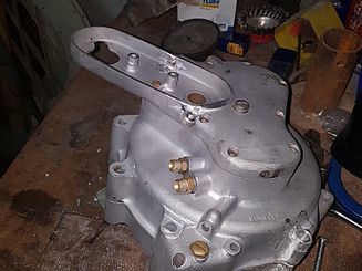 מילוי וכרסום מנוע של אופנוע נורטון