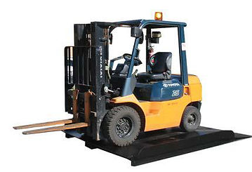 Container-Ramp-with-forklift-extended-le