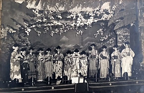 haods mikado 1922 photo cast on stage 1