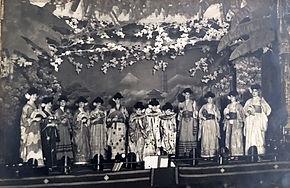 haods mikado 1922 photo cast on stage 1