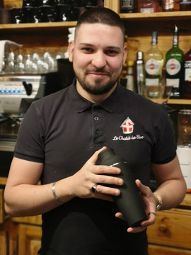 Denis le barman